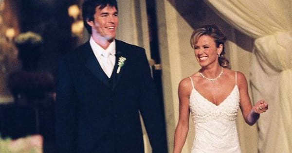 bachelor nation, trista and ryan sutter wedding day smiling waving